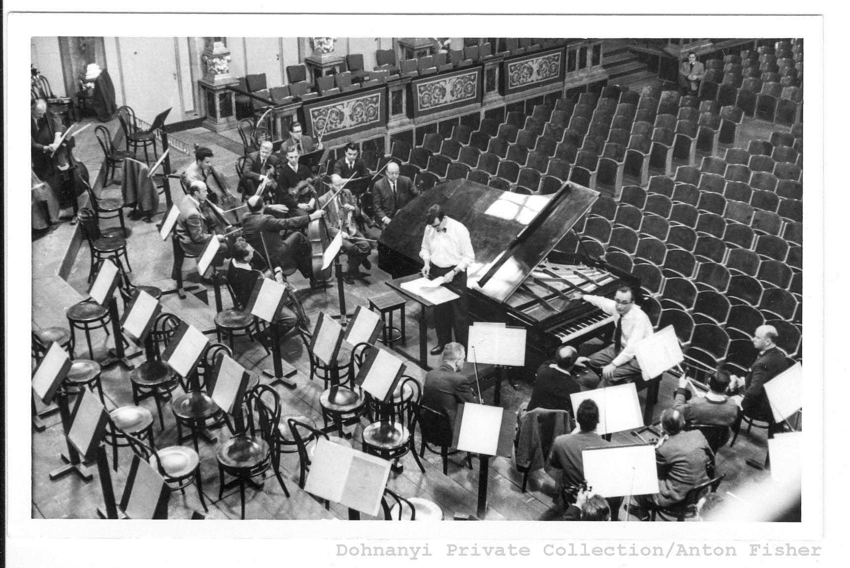 how to watch orchestra at vienna musikverein